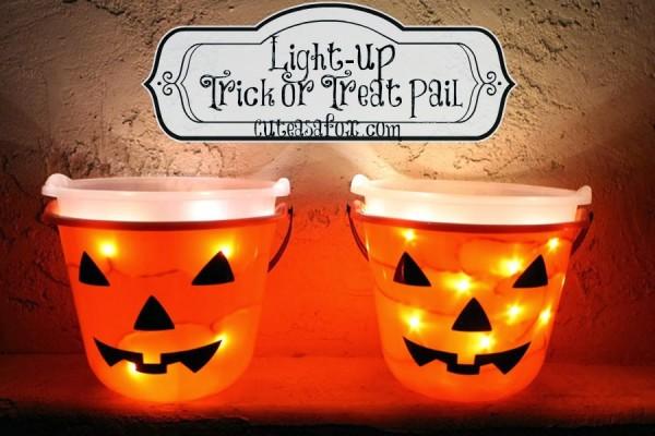 light-up-trick-or-treat-pails-title1