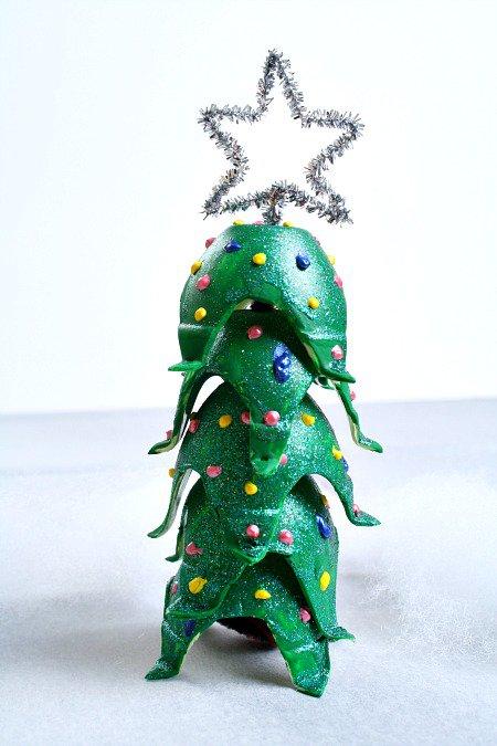egg-carton-christmas-tree-craft