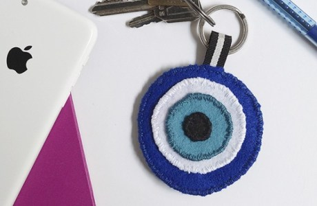 Felt EYE Keychain Tutorial