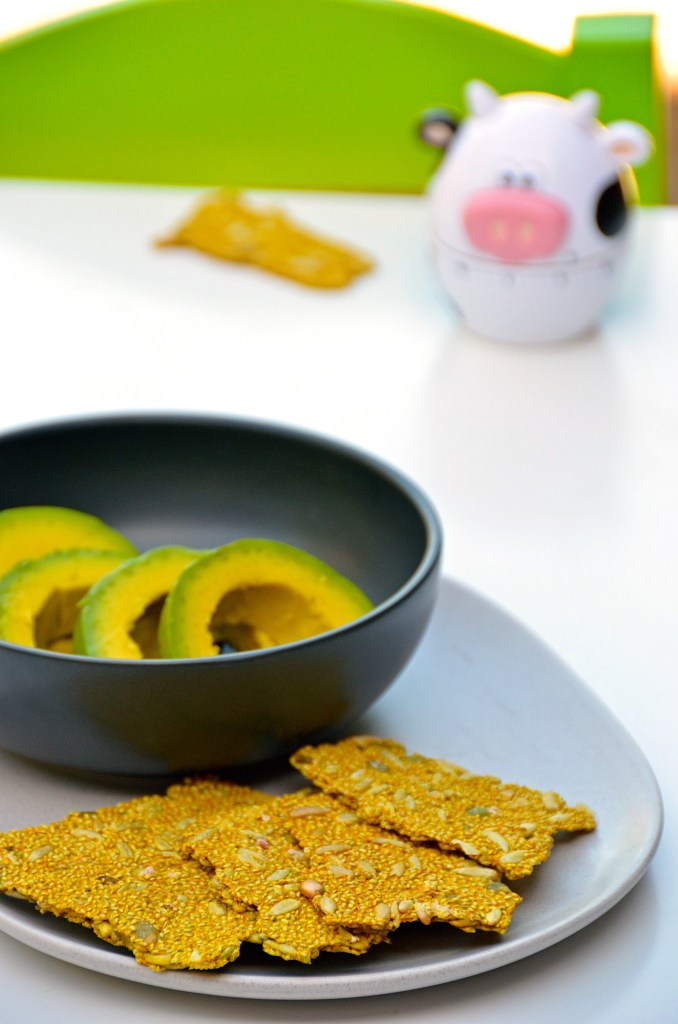 easy, gluten free and dairy free crackers made with just three ingredients.