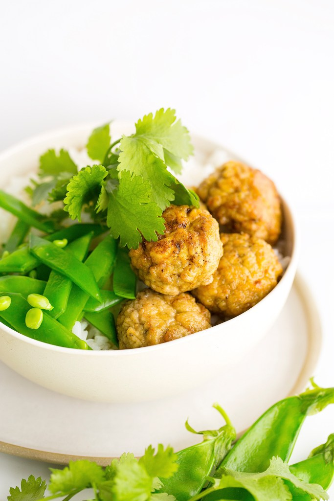 mini chicken meatballs with cashews, coriander and cream cheese
