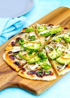 chicken & avocado pizza | Kids Eat by Shanai