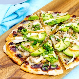 chicken & avocado pizza