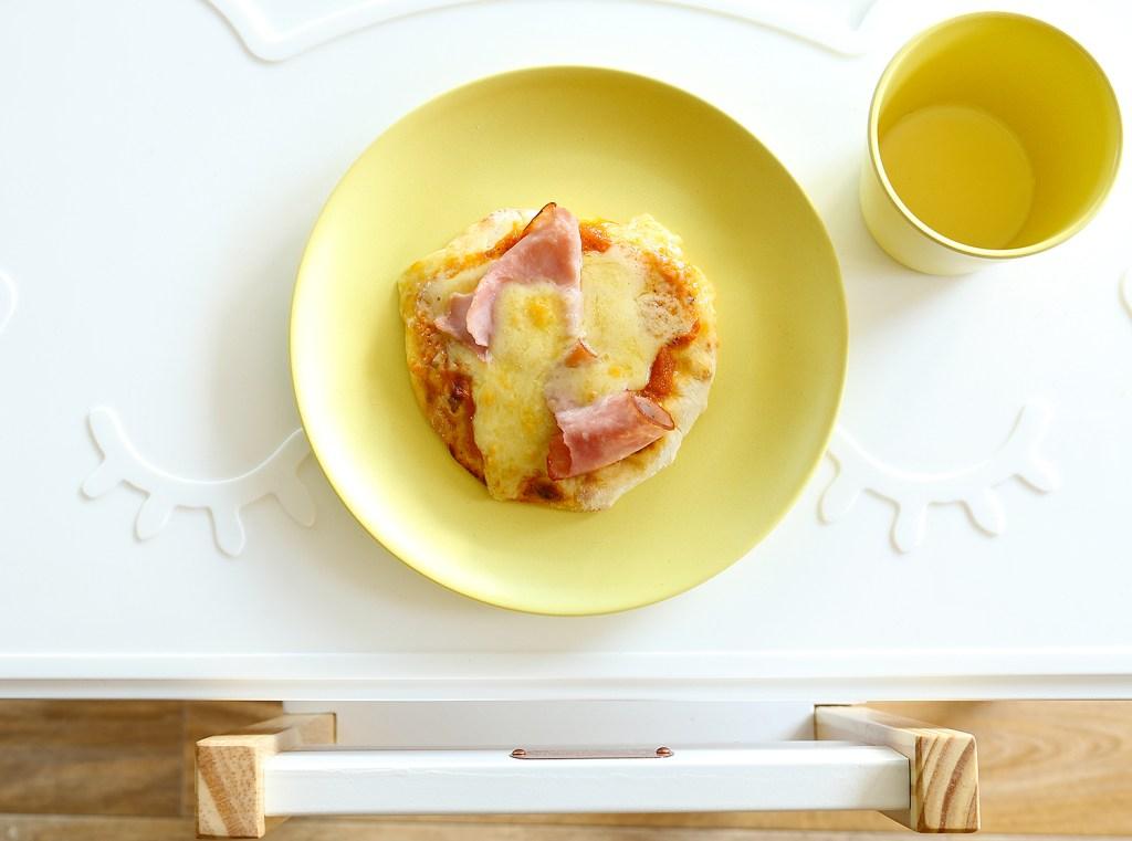 Simple Yoghurt Flat Bread Pizzas by Kids Eat by Shanai