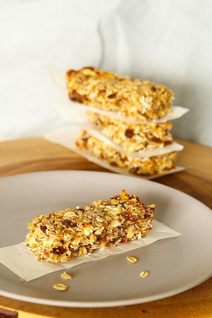 Apple Sultana Muesli Bars by Kids Eat by Shanai perfect for school lunchboxes