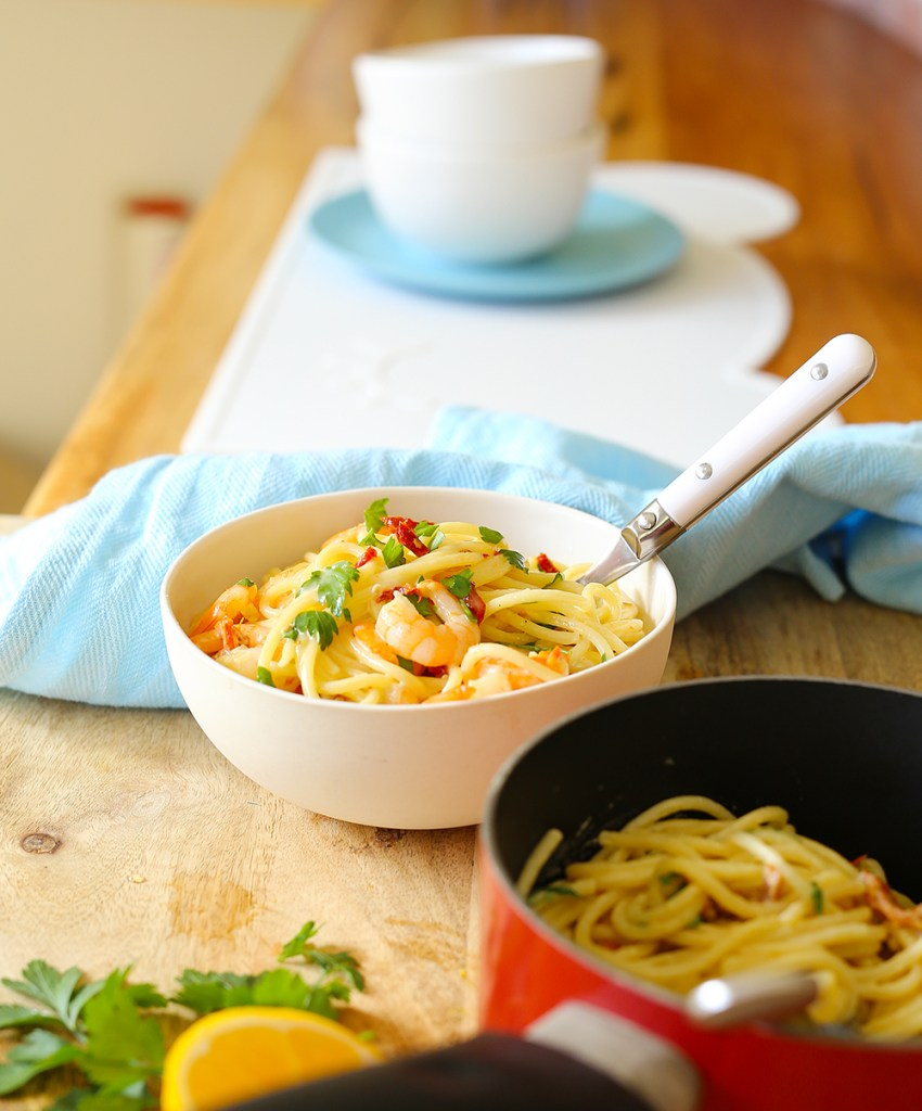 creamy garlic prawns and sundried tomato spaghetti Kids Eat by Shanai dinner in 30 mins