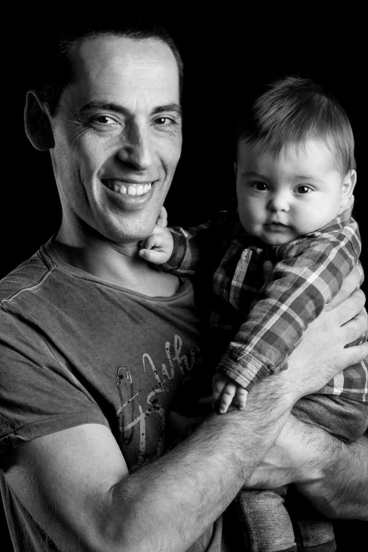 kidsfoto.es fotografía bebé Sesión  6 meses Zaragoza sesiones fotográficas a niños papa niños fotografia niños zaragoza fotografía infantil fotografía familiar fotografía bebé familia estudio bebé