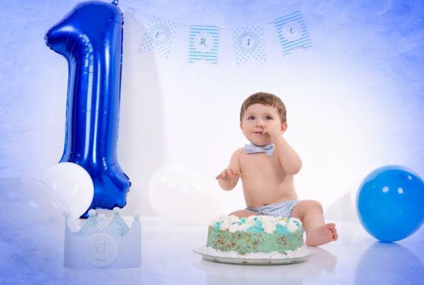 Sesión bebé Smash Cake, fotografía 1 año en estudio en Zaragoza