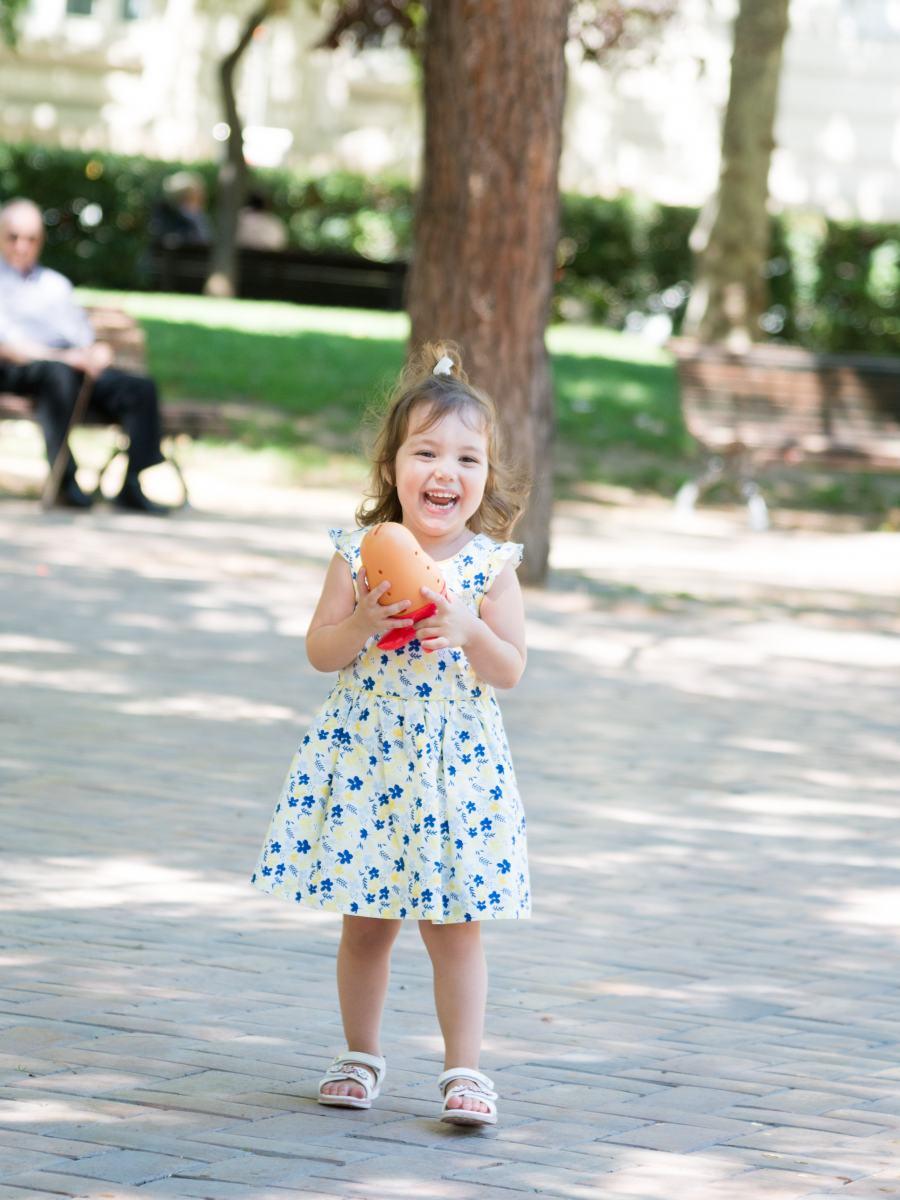 kidsfoto.es Reportaje familiar en Zaragoza Plaza los Sitios