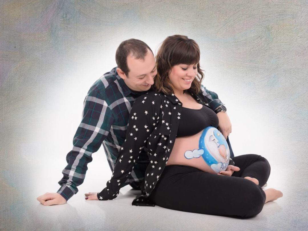 kidsfoto.es Fotografía de embarazo, reportaje premamá. Fotografía belly paint body paint embarazo