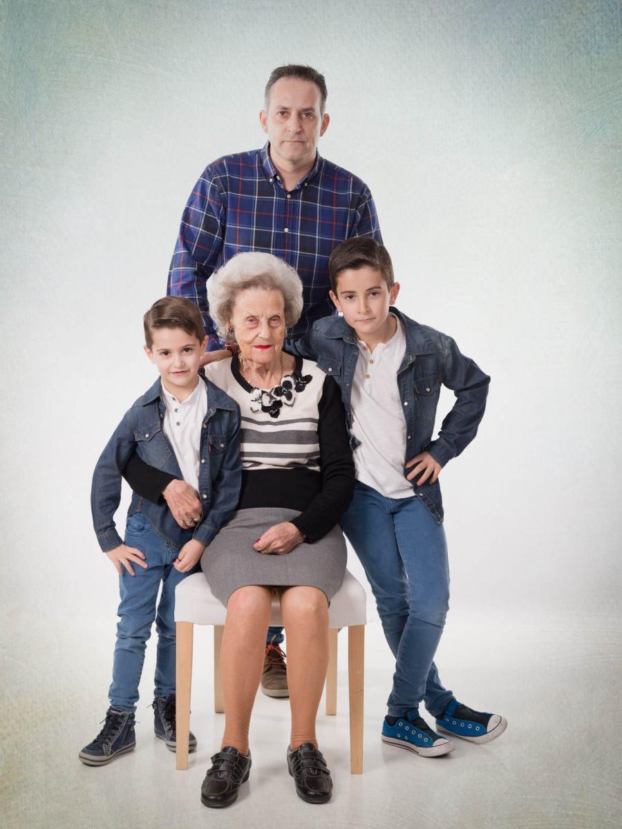 kidsfoto.es Reportaje fotográfico familiar en Zaragoza, Fotógrafo de familias y niños. Fotografías de regalo