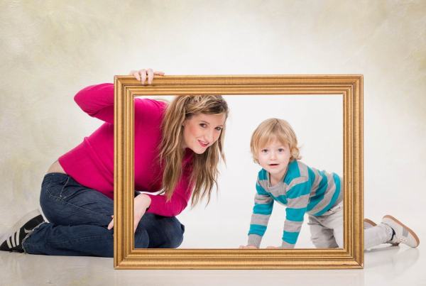 Reportaje fotográfico familiar en Zaragoza, Fotografía de familia con niños . Fotógrafo infantil