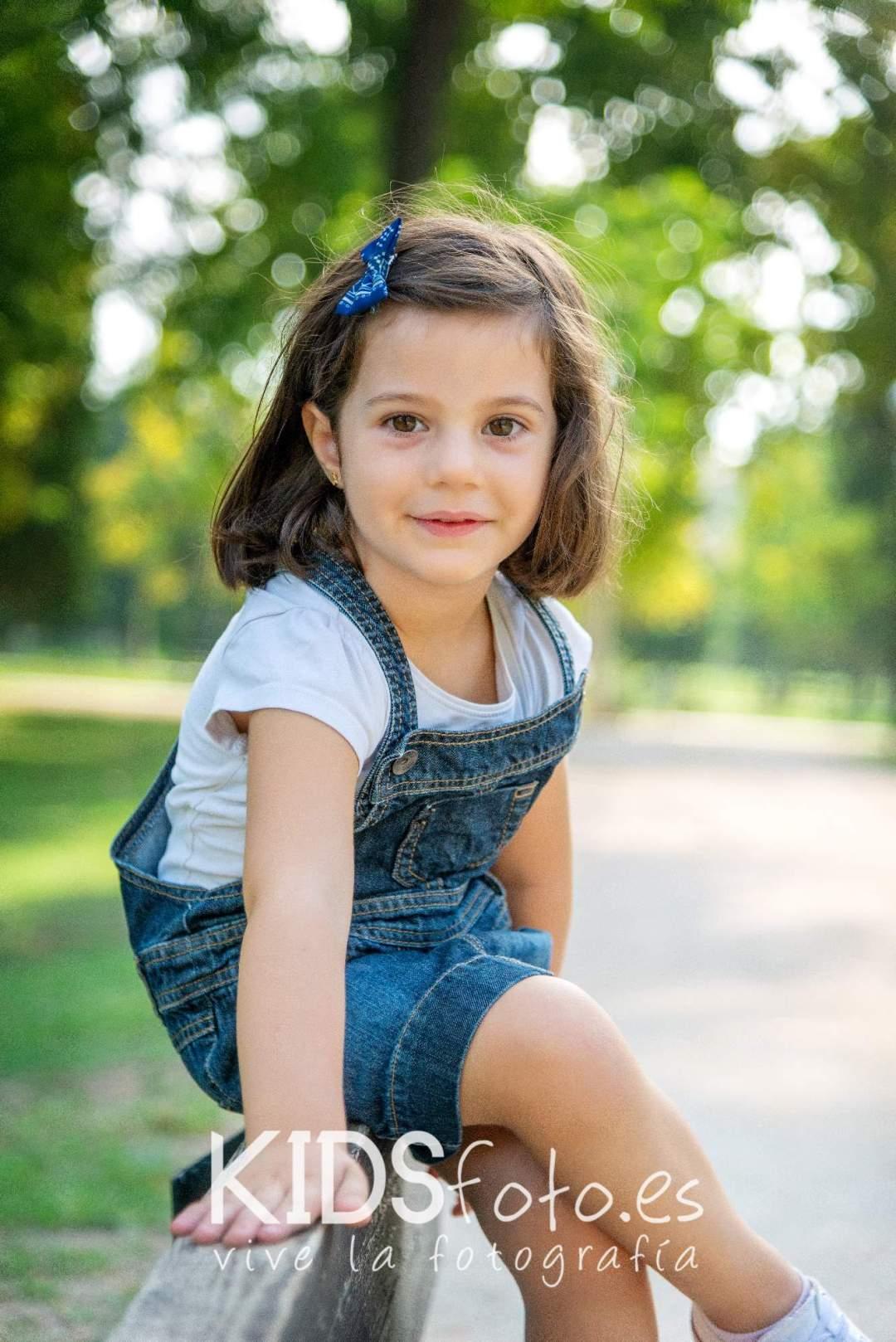 kidsfoto.es Fotografías de Madre e Hija en exterior y estudio. Fotografía de familia en Zaragoza