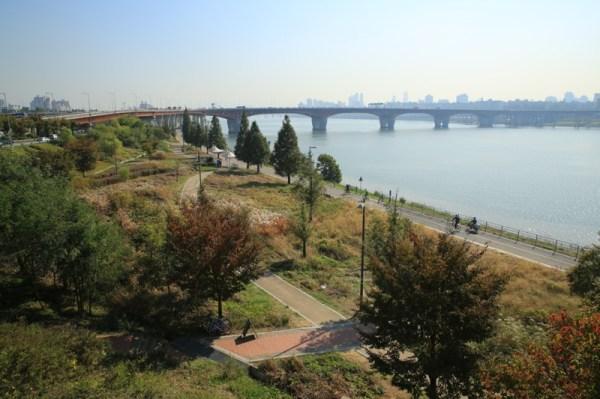 Hangang River Cycling trail