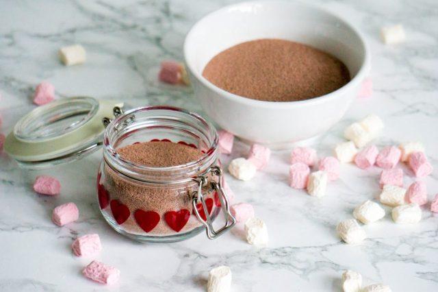 Stap 1 : Warme Chocolademelk in een Pot DIY | Babies Kitchen