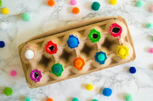 DIY Kleuren sorteren met Pompons | Babies Kitchen