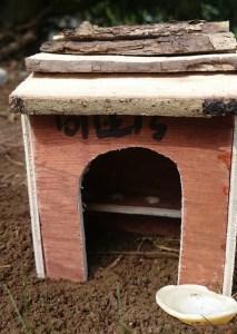 miniature-toilet-block-for-fairy-garden