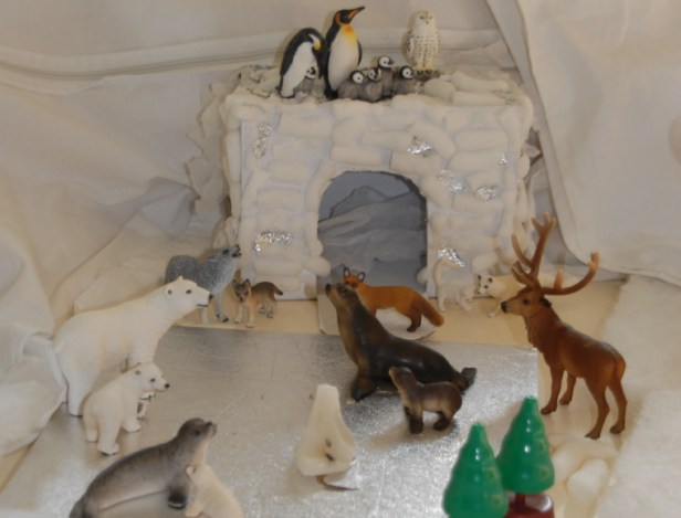 schleich-animals-in-winter-display