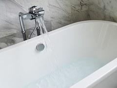 bathtub filling up