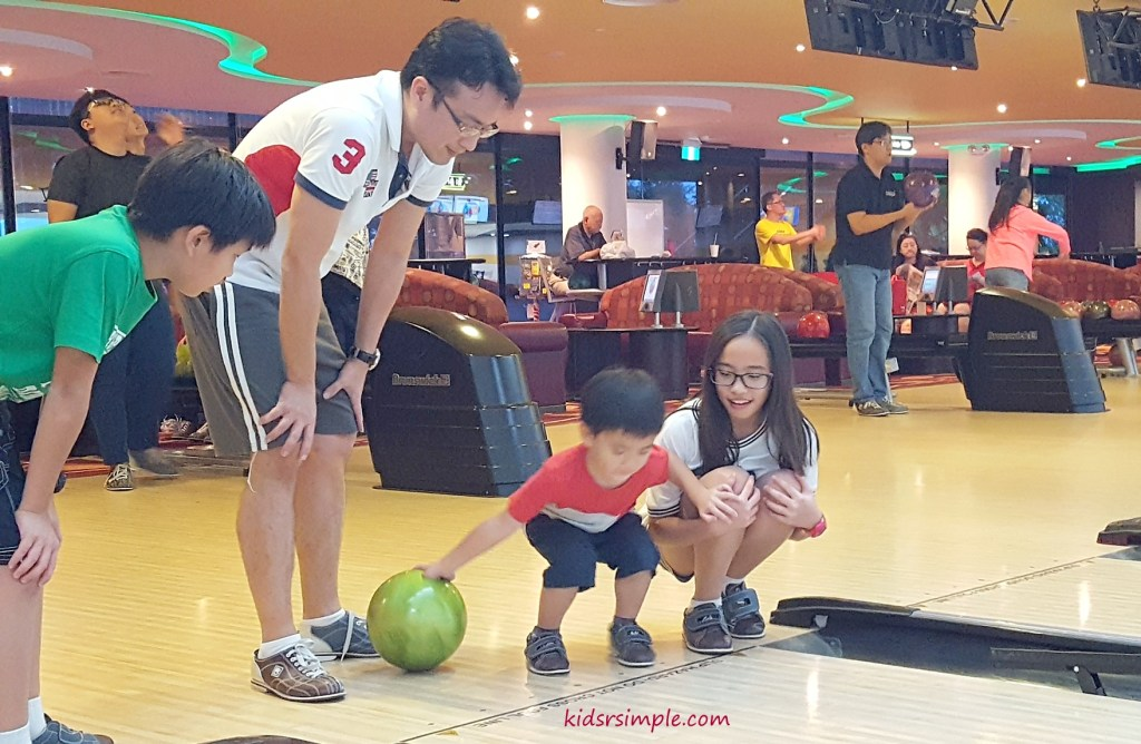 Civil Service Club bowling