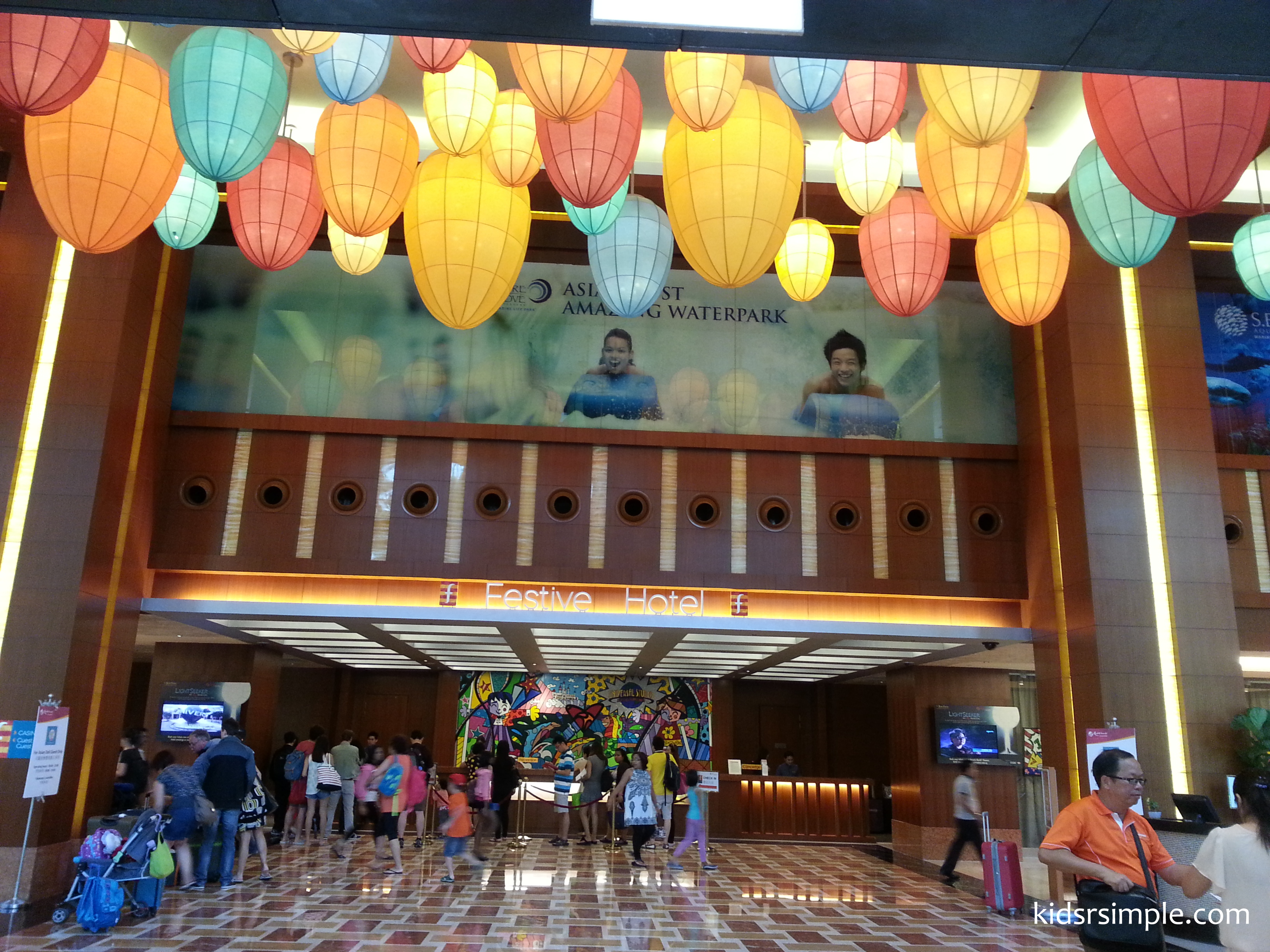 festive hotel staycation at rws - kids 'r' simple