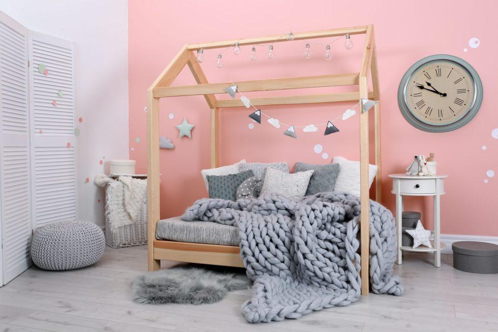 greay blanket shutterstock_1165076935