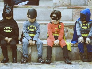 funny-kids-halloween-costumes-batman-superheros