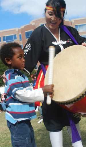 Japan Taiko Drumming Demonstration with Kids- Kid World Citizen