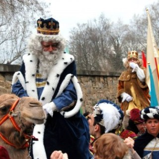 How do the Reyes Magos Get to Spain? via Helicopter, Skiis, Boat, Horse…..