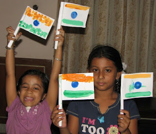 Rolled Paper India Flag- Kid World Citizen