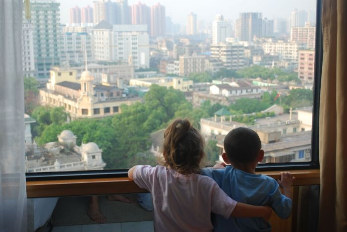 Watching Guangzhou Traffic- Kid World Citizen