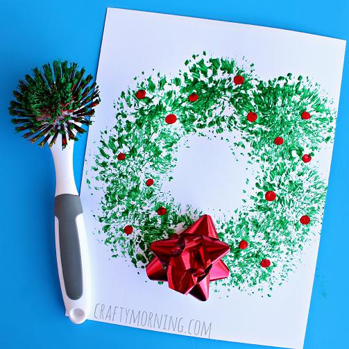 Fun dish brush Christmas Wreath Craft for Kids- Kid World Citizen