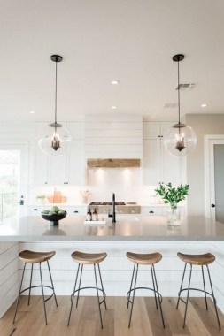 19 Modern Farmhouse Kitchens That Fuse Two Styles Perfectly 17