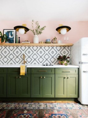 20 Colorful Kitchen Cabinets To Add A Spark To Your Home 18