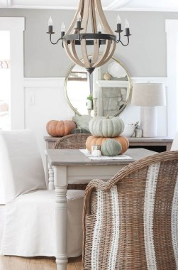 18 DIY Centerpiece Ideas To Beautify Your Dining Room This Fall 28