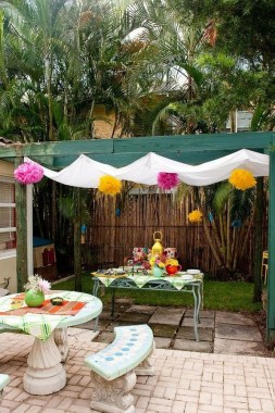20 DIY Outdoor Sun Shades That Add Color To Your Outdoor Decor 19