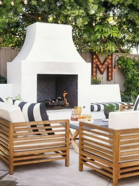 21 Beautiful Outdoor Fireplace Design Ideas 05