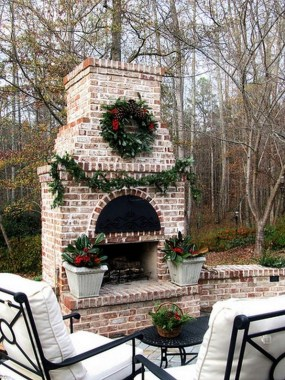 21 Beautiful Outdoor Fireplace Design Ideas 26