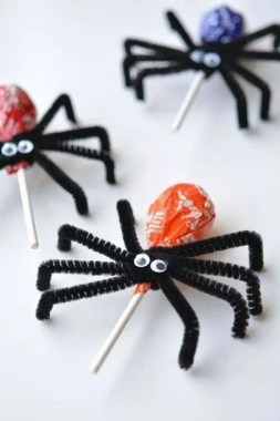 21 Easy DIY Halloween Craft Ideas For Your Kids This October 11