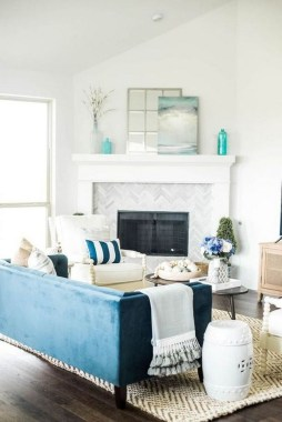 22 Adorable Living Room Decor Ideas With Coastal Touches 11