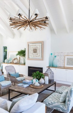 22 Adorable Living Room Decor Ideas With Coastal Touches 33