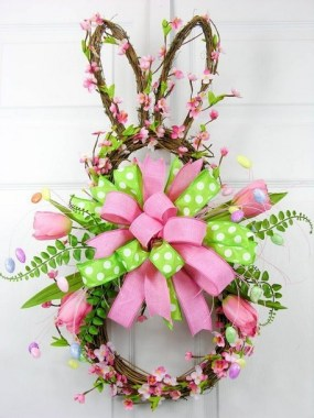 27 DIY Spring Wreaths To Freshen Up Your Front Door 13
