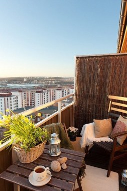 27 Smart Ways To Maximize Your Small Balcony Space With Budget Friendly 33