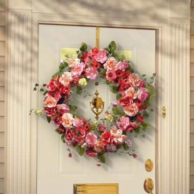 28 Cheery Spring Wreath Ideas To Beautify Your Front Door 11