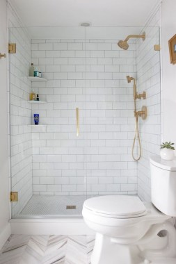 28 Ways To Make Your Small Bathroom Feel Bigger 23