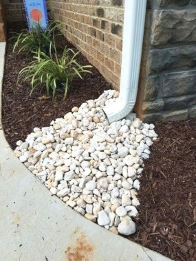 29 Simple Rock Garden Decor Ideas For Your Backyard 28