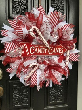 32 On A Budget DIY Christmas Wreath To Deck Out Your Door 24