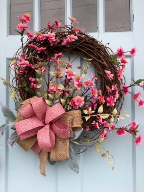 33 Beautiful Spring Wreath To Make It Yourself At Home 03