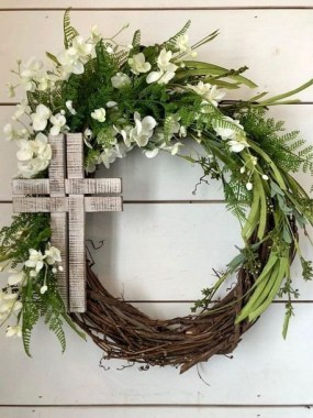33 Beautiful Spring Wreath To Make It Yourself At Home 31