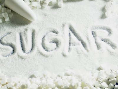 الحلويات والسكريات وتأثيرها علي صحة الاطفال